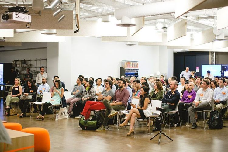UX Event Crowd