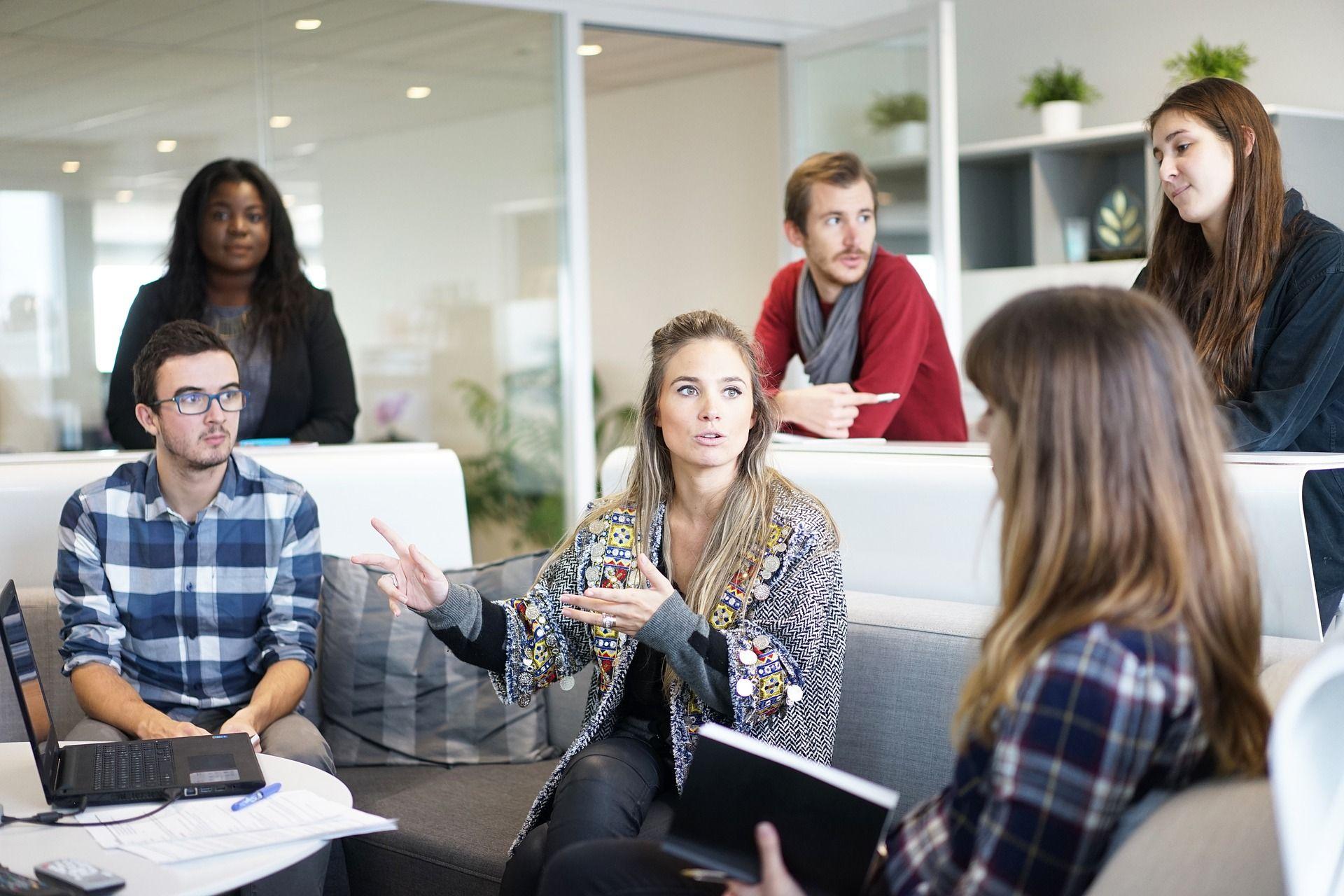Scrum Meeting Teamwork Lean & Agile